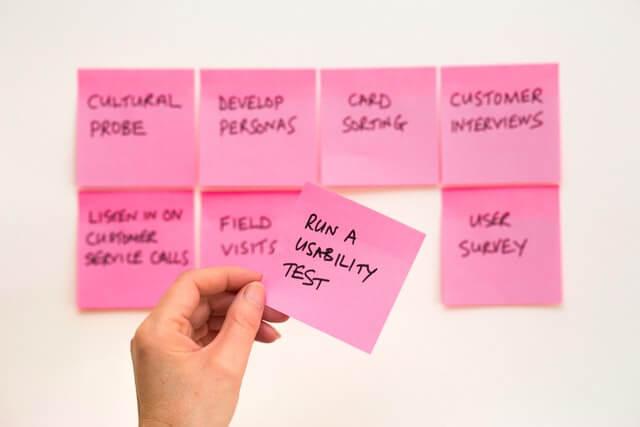 Fotografie von Workshop Resultaten im Business Bereich mit Fokus auf Usability Tests